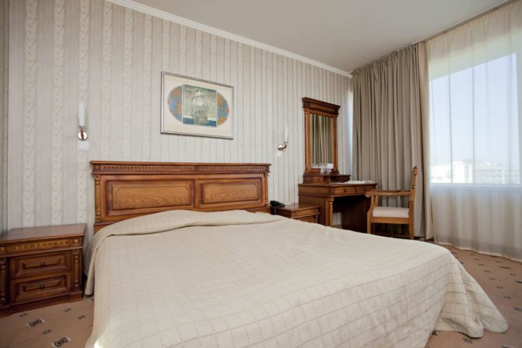 King Size Bed Room Burgas