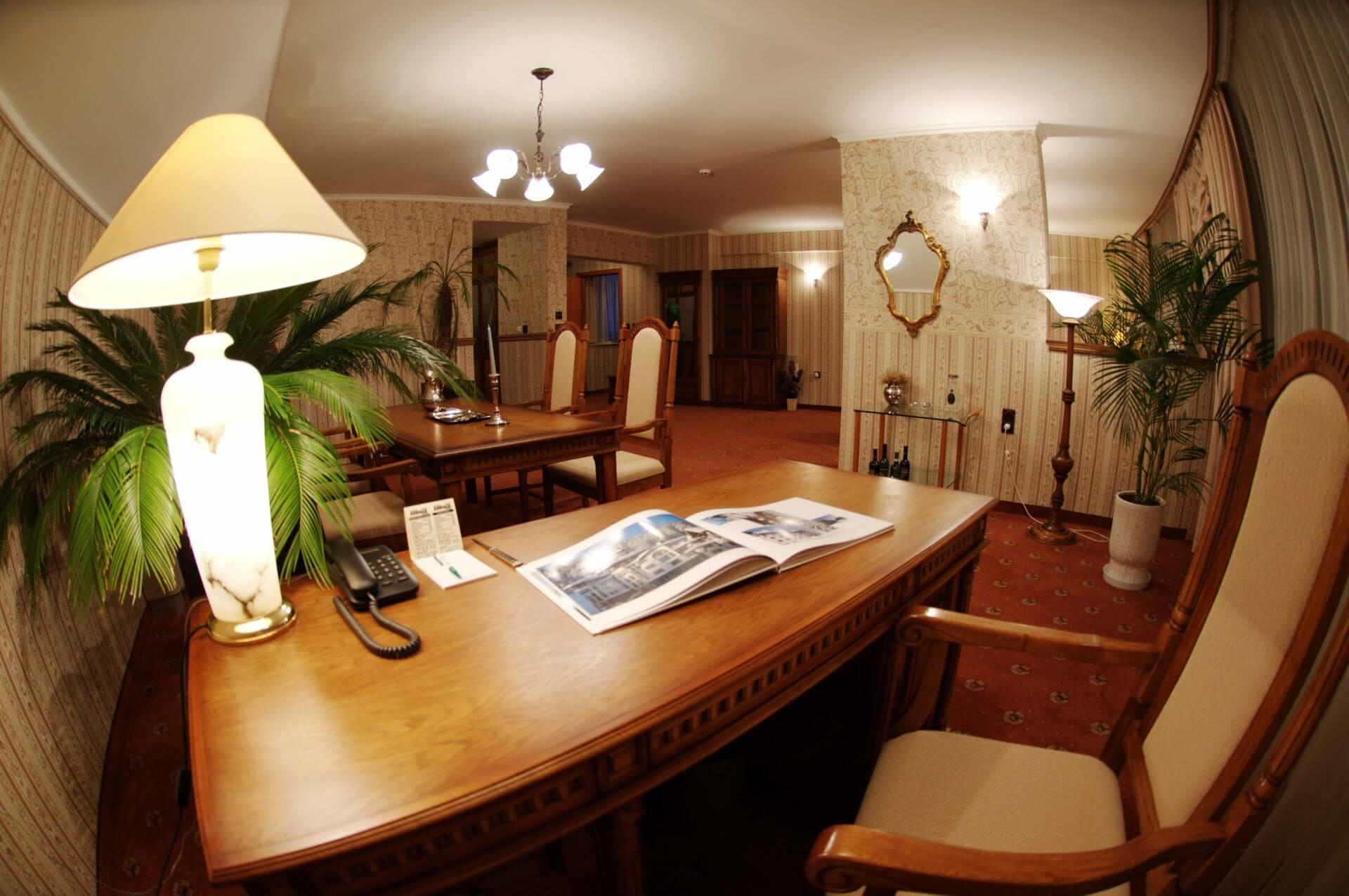 VIP настаняване бизнес хотел Мираж