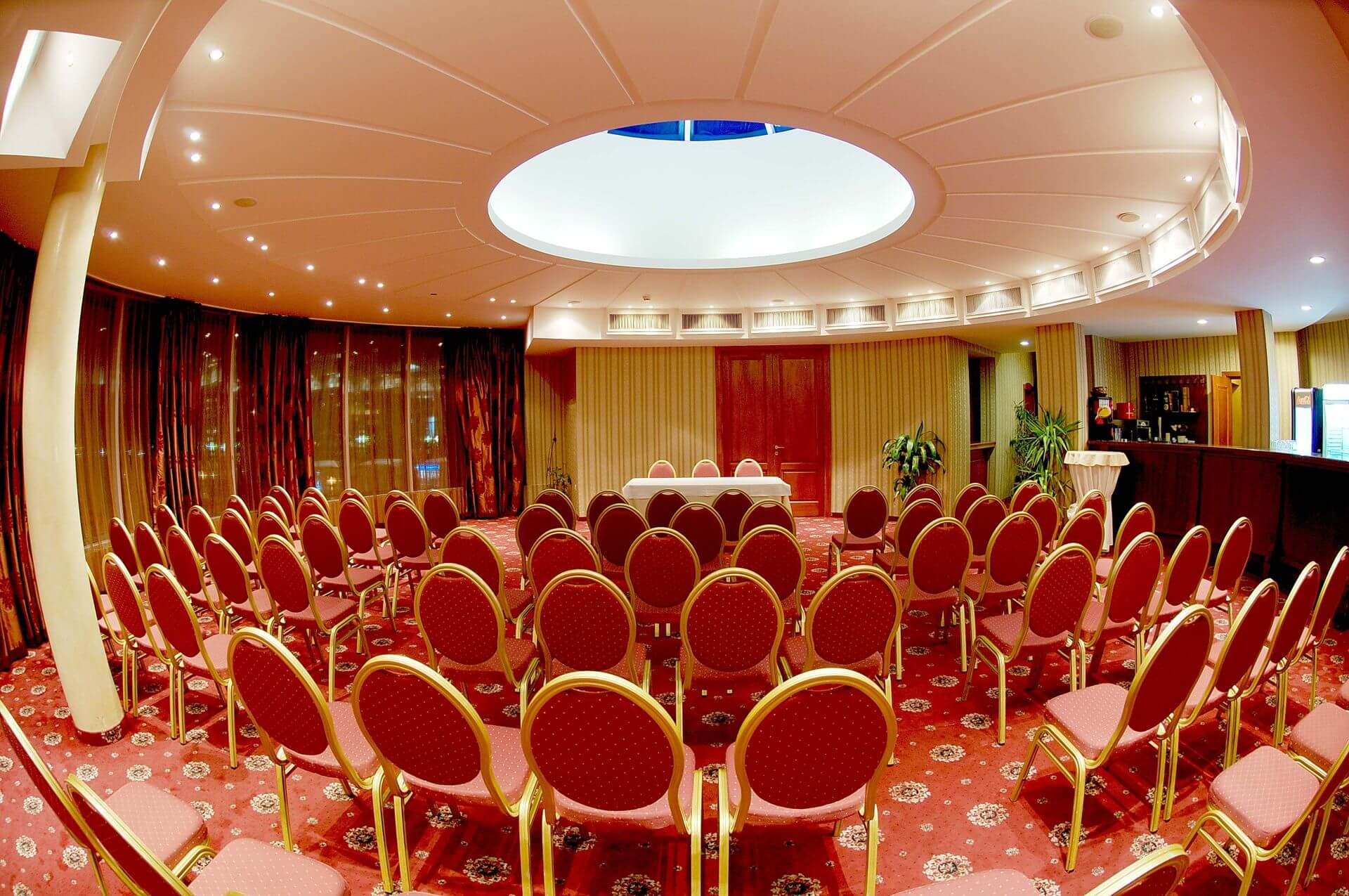 Zala konferencia Mirage Hotel