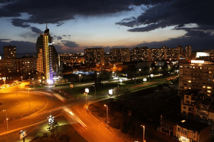 Hotel Mirage At Night